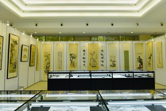 转广东之窗【文化】:《大风天下》---纪念张大千宗师诞辰120周年书画文献展盛大开幕